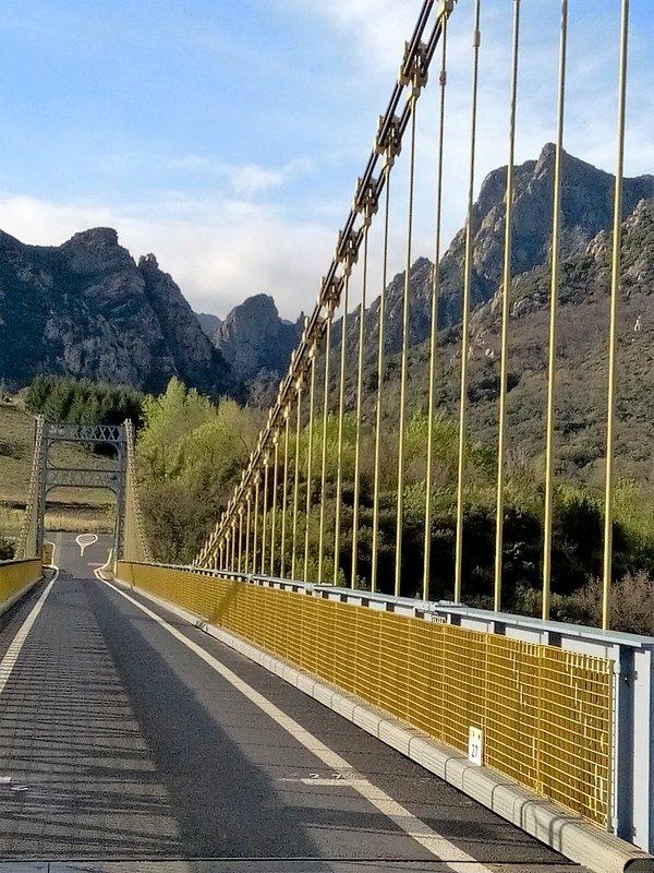 Pont de Tarrassac : vue sur les Gorges d'Héric (à 4,5 km de Colombières)