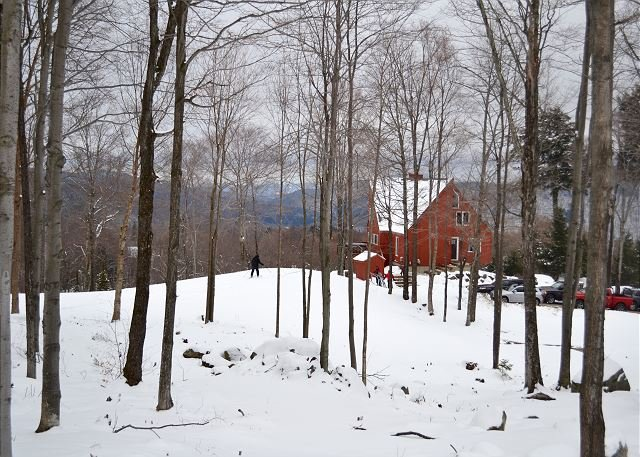 VT SKI/SUMMER HOME WITH AC - The Matterhorn House, holiday rental in Sherburne