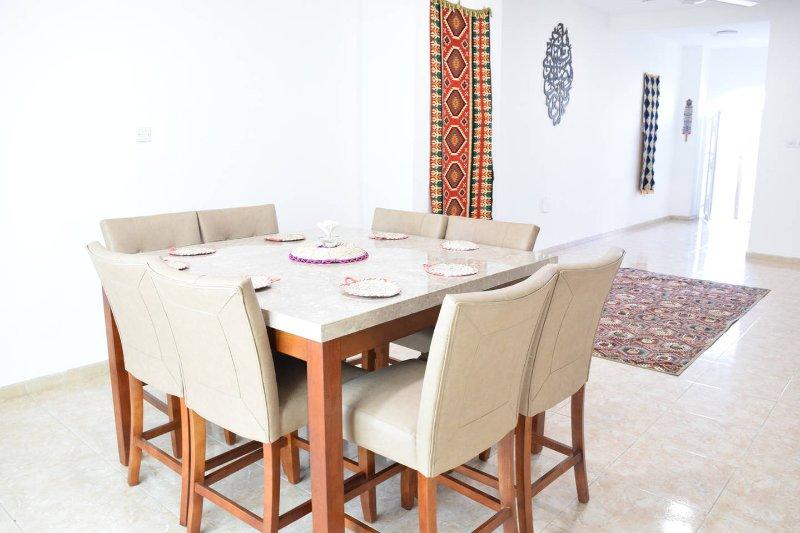 AlHana Grand Villa, aluguéis de temporada em Azaiba