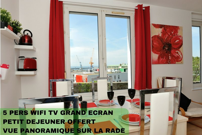 FREE WIFI near downtown and train station of Brest, appart hotel comfortable facing the Iroise