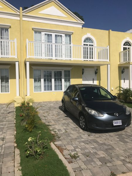 Villa Nirvana:  Your luxury home away from home., Ferienwohnung in Negril