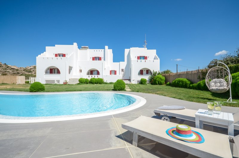 Depis Edem Blue Villa Residence with Sea View/Naxos, holiday rental in Naxos Town