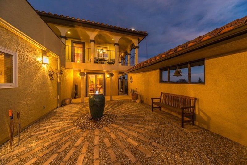 Beatiful estate with views of the vineyards, holiday rental in Creston