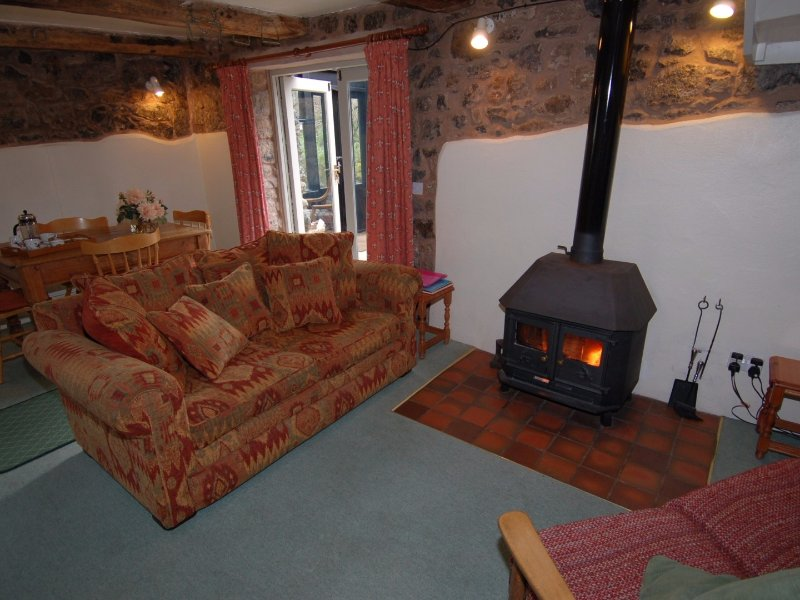 FORESTOKE LINHAY, Dartmoor National Park, in Holne, open-plan, Ref 967288, holiday rental in Ashburton