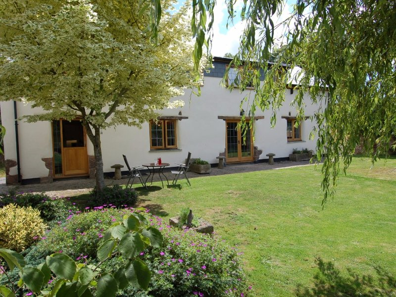 THE YOKE, stylish barn, close to city of Exeter, in Tedburn St Mary, Ref. 967280, holiday rental in Yeoford