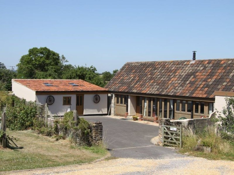 THE MILKING PARLOUR, detached, single storey, near Wells. Ref 967223, holiday rental in Worth