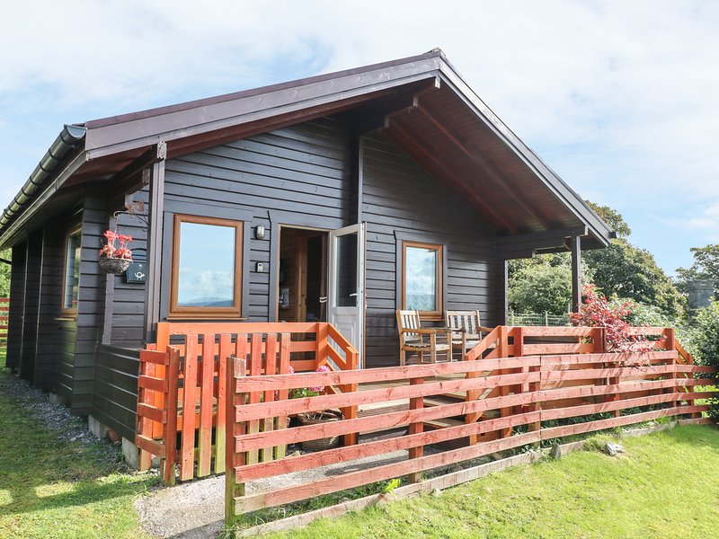 THE CHALET AT BEN HIANT, amazing views, breakfast bar, open plan, Ref 967112, vacation rental in Acharacle
