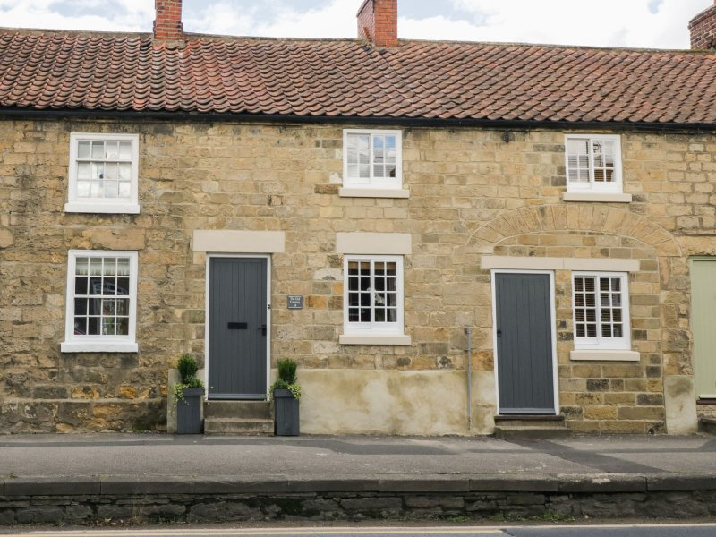 THE OLD CARTWAY, WiFi, two sitting rooms, charming and cosy, in Pickering, holiday rental in Pickering