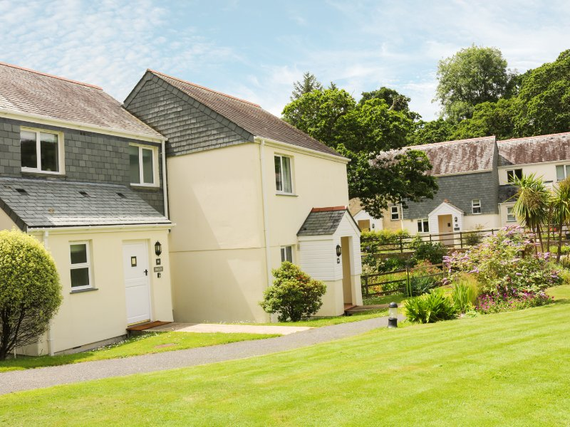 BREEZE COTTAGE, WIFI, open plan, beach walking distance, Ref 962659, Ferienwohnung in Maenporth