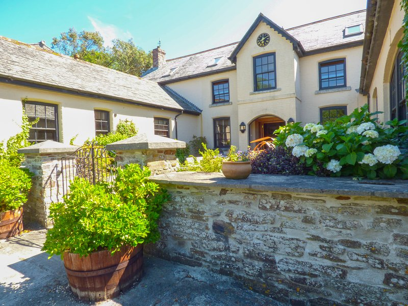 HYBADORE COACH HOUSE, converted coach house, pet friendly, Cornwall, Ref 961598, holiday rental in Fowey