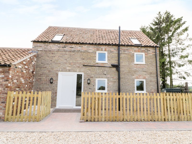 HOLLY COTTAGE, WIFI, SMART TV, underfloor heating, Ref. 961479, holiday rental in Raithby