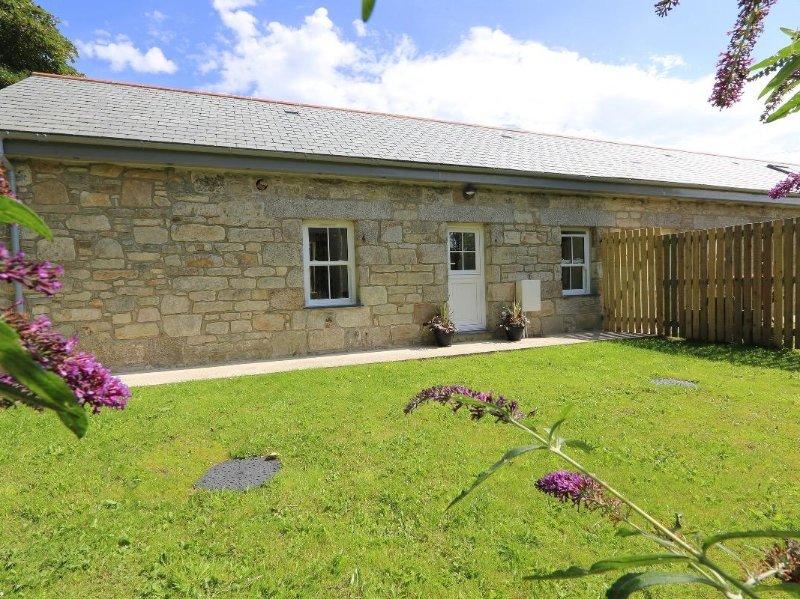 PENHALE VEAN, beautiful barn conversion, super countryside views, less than, holiday rental in Gweek