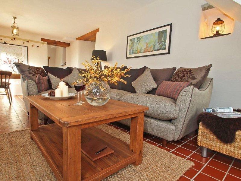 WOODFIELD COACH HOUSE, hot tub, wood burner, garden, parking, WiFi, Liskeard 3, location de vacances à Liskeard