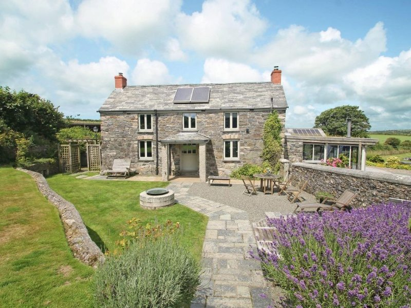 The Farmhouse, Camelford, Ferienwohnung in Camelford