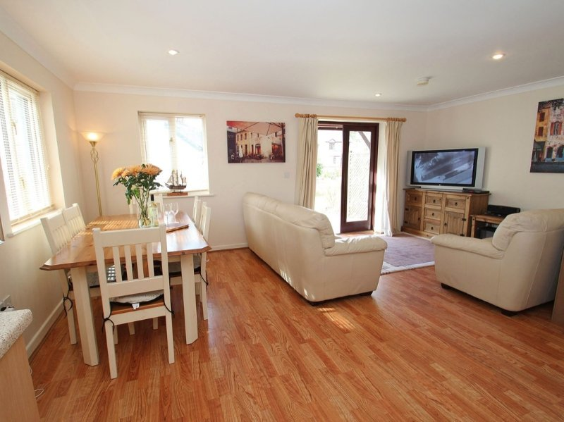 Robinswood, Falmouth, holiday rental in Mylor Bridge