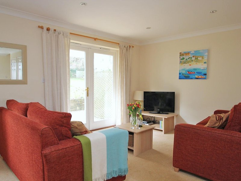 BEACHCOMBER, pets welcome, shared gym and plunge pool, near the beach, Ref, Ferienwohnung in Maenporth