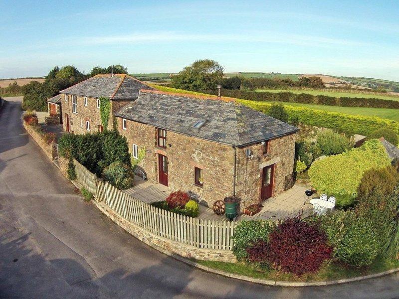 APPLESTORE welcoming barn conversion, pretty garden, peaceful countryside, Ferienwohnung in St Minver