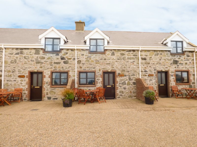 CONINGBEG COTTAGE, open-plan living, family room, WiFi, Ref 957333, vacation rental in Bridgetown