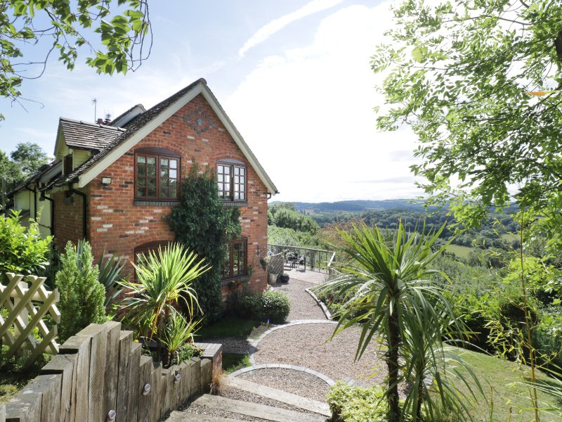 HILLVIEW COTTAGE, amazing views, en-suite, near Worcester, ref 955699, Ferienwohnung in Brockhampton