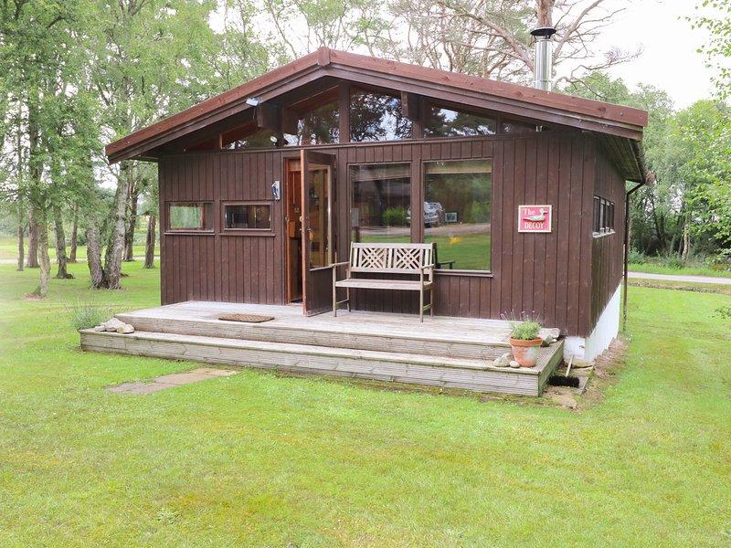 THE DECOY, open-plan living, log cabin, cosy, near Dornoch, ref:954714, holiday rental in Dornoch