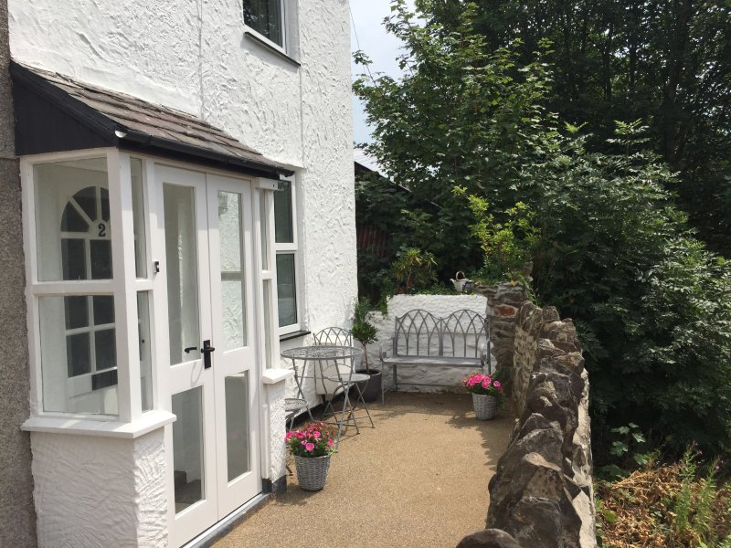 RAILWAY VIEW, pet friendly, quality accommodation, Conwy, ref 953343, holiday rental in Conwy