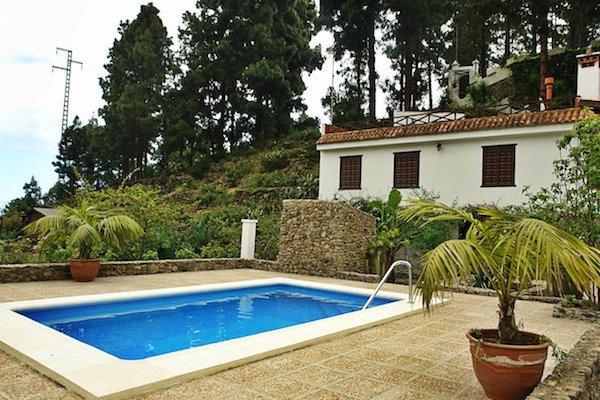 Casa en Medio del Bosque en Tenerife Norte Casa Los Castaños Piscina