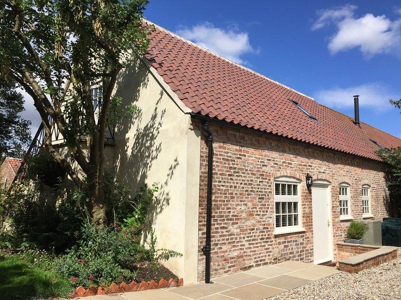THE DOWER HOUSE COTTAGE, WIFI, Smart TV, open plan living, Ref 947662, holiday rental in Kirklington