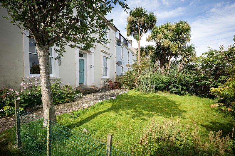 25 Ardbeg Rd, Sea View 3 Bedrooms, alquiler vacacional en Rothesay