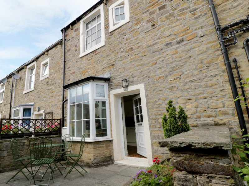 CHERRY TREE COTTAGE, open plan accommodation, three bedrooms, central location, casa vacanza a Embsay