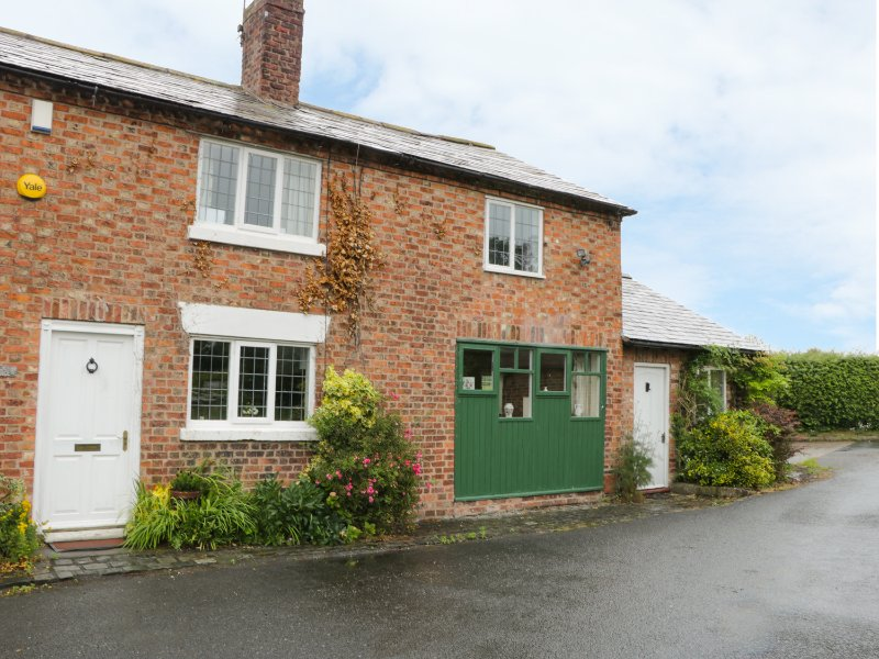 MILL LANE COTTAGE, exposed wooden beams, WIFI, SKY TV, Ref. 943487, holiday rental in Oakmere