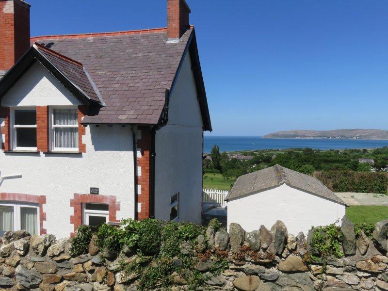Cae Glas Cottage, Dwygyfylchi, holiday rental in Penmaenmawr