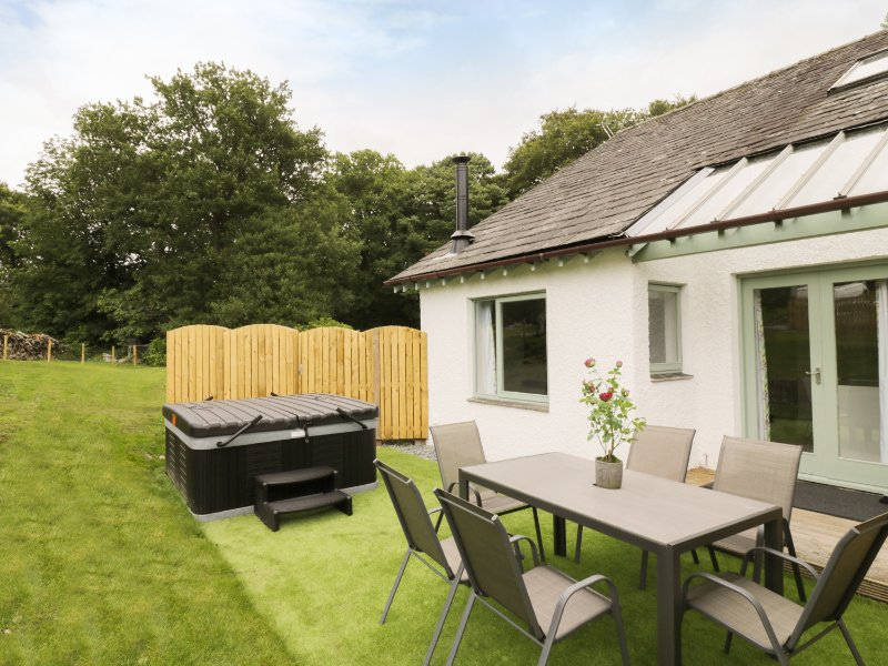 Yew - Woodland Cottages, Bowness-on-windermere, holiday rental in Bowness-on-Windermere