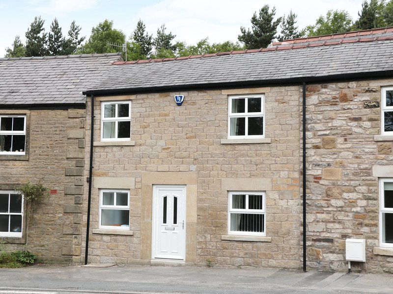 CARTERS COTTAGE,37 BUXTON ROAD, zip/link bedrooms, basement, pet friendly, in, casa vacanza a Sparrowpit