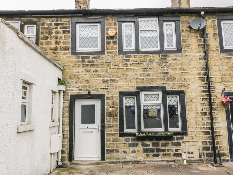 6 HALIFAX ROAD, WIFI, open plan, en-suite bathroom, Ref 937281, alquiler vacacional en Bingley