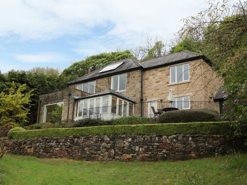 BRAMBLESIDE, stunning views, five bedrooms, in Calver, Ref 934346, location de vacances à Eyam