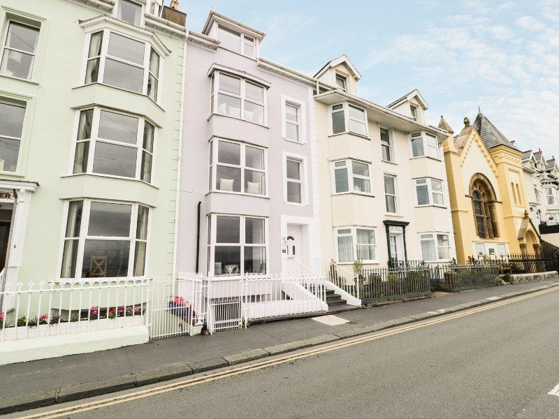 SEAVIEW HOUSE, amazing sea views, en-suite bedroom, WIFI, Ref. 931100, holiday rental in Aberdovey