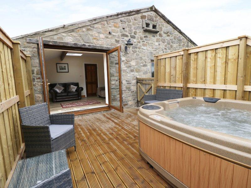 CARVIN-TOR, all first floor, hot tub, three bedrooms, Northallerton, Ref. 927696, casa vacanza a Kiplin