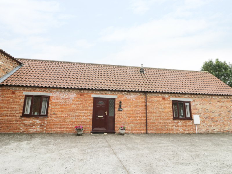 THE STABLE, barn conversion, pet friendly, enclosed garden, near Pocklington, casa vacanza a Fimber