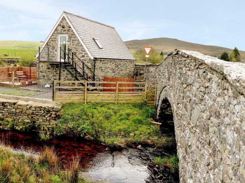GLAN NUG BACH, games room, walks from the doorstep, in Rhydlydan, Ref, 26537, holiday rental in Pentre-Llyn-Cymmer