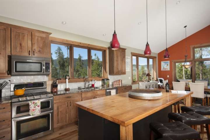 Fully Stocked Gourmet Kitchen With Still More Views! Seating For 5 Around Island