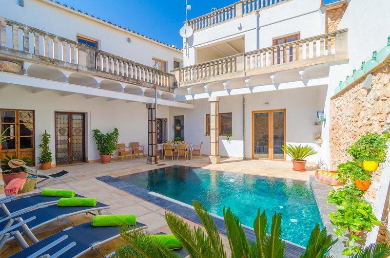 SA CREU - Villa for 10 people in Algaida, vacation rental in Algaida