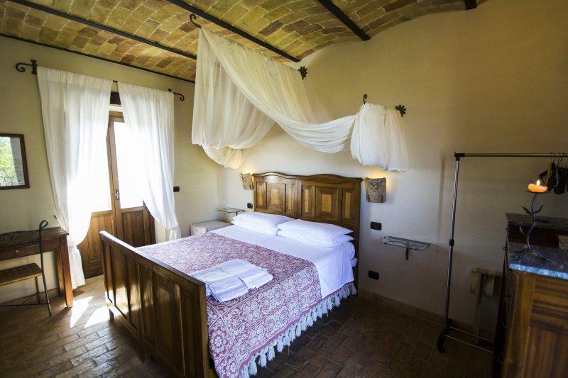 Agriturismo Il Portone, Camera Piccola Volpe, vakantiewoning in Caramanico Terme