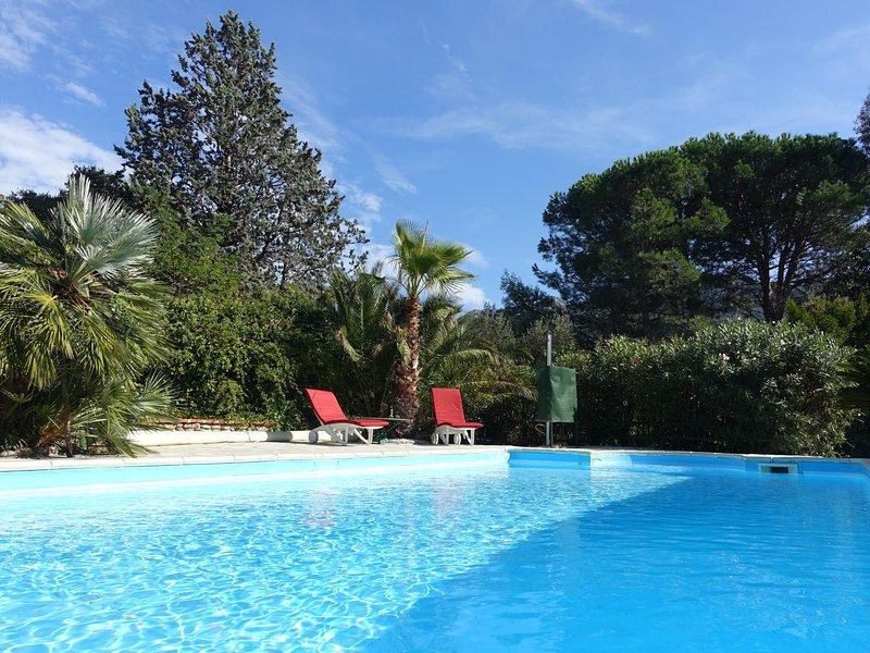 Superb villa with private pool and garden – semesterbostad i Sorede