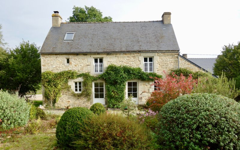 A rural retreat in central Brittany, sleeps 6, location de vacances à Lanouée