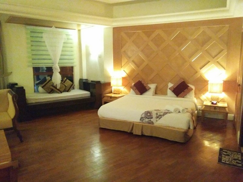 Dfamilia Private Unit & Homestay, vacation rental in Ayer Hangat
