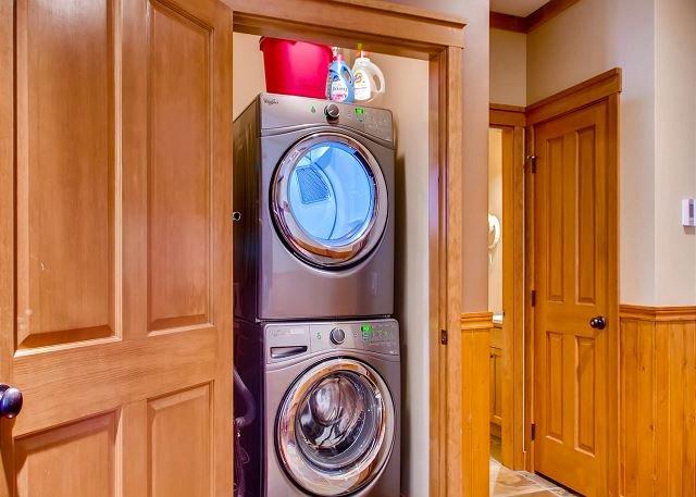 Guardaroba della lavanderia di Snowbird 406