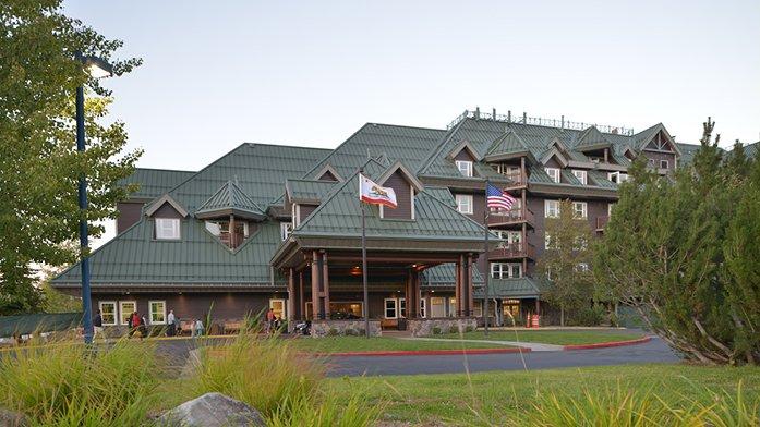 Lake Tahoe Vacation Resort - 2 Bedroom Deluxe (Sleeps 6), vacation rental in South Lake Tahoe