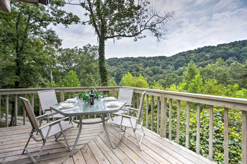 'Southern Comfort' Prime 3BR Red River Gorge Cabin UPDATED