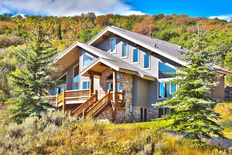 Discover your ideal mountain getaway at 'Bella Vista!'