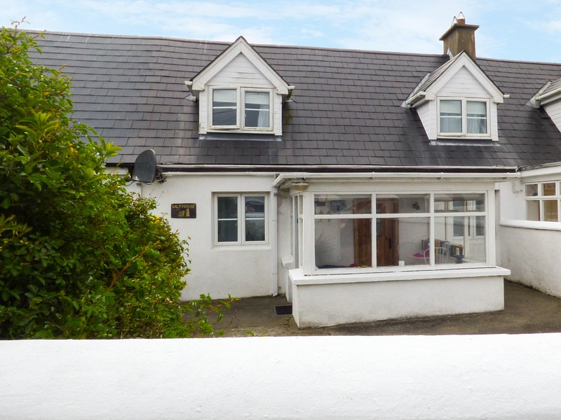 SALTHOUSE, sea views, beach nearby, activities nearby, Ref 959462, holiday rental in Templetown